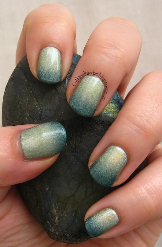 Matching Manicures - Gradient