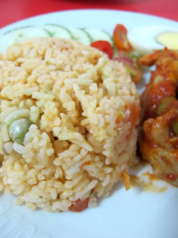 Love Corner : Nasi Tomato & Ayam Masak Merah
