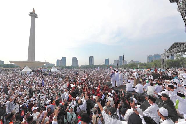Reuni 212: Pidato Pimpinan MUI Sindir Jokowi <i>Makjleb</i> Banget