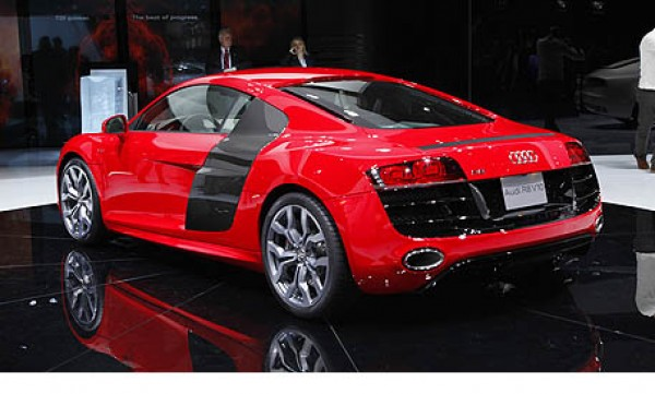 automotive reviews insight to the 2010 audi rs8. Black Bedroom Furniture Sets. Home Design Ideas