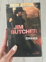 """Zdrajca"" Jim Butcher, fot. paratexterka ©"