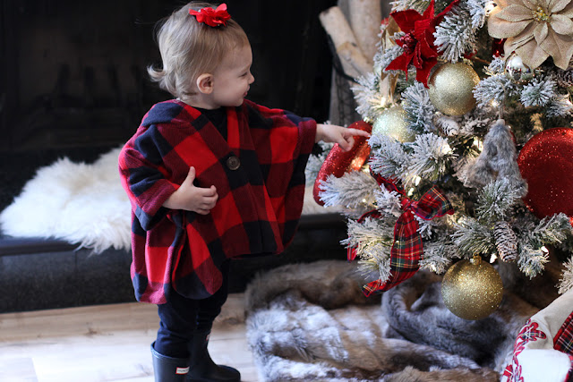 one finger touch for christmas tree