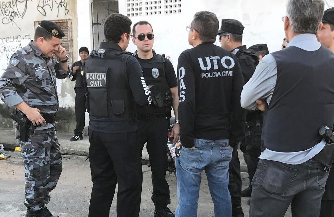 Polícia segue à procura de mais 3 suspeitos de espancar e matar Dandara