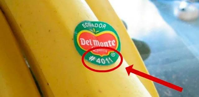 """Если вы увидели на наклейке фрукта цифру """"8"""", не покупайте его! Вот почему…"""