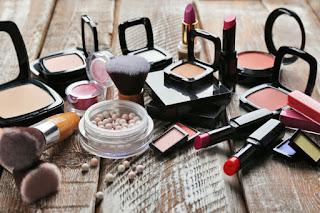 Masa Kadaluarsa Kosmetik, Perhatikan Sebelum Memakainya