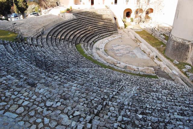 le petit théâtre romain  Spolète