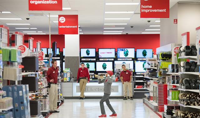 Compra de relógios no supermercado Target em San Francisco