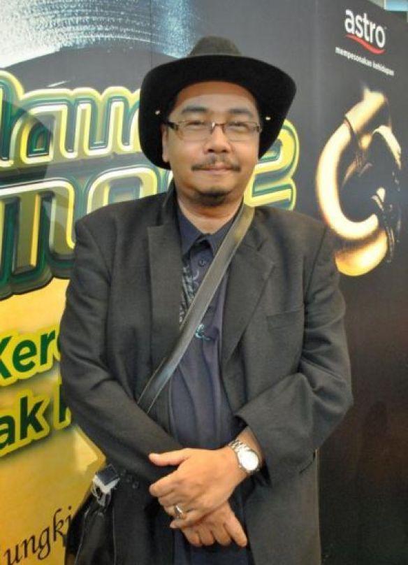 http://kongxie.blogspot.com/2016/03/al-fatihahkomposer-adnan-abu-hassan.html