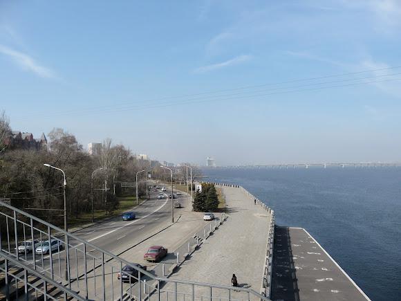 Дніпро. Набережна