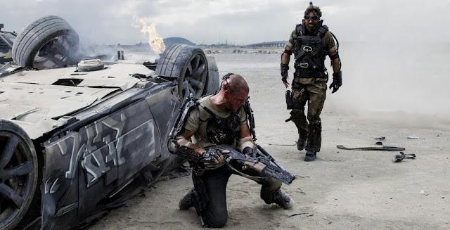 Elysium - Matt Damon si Sharlto Copley