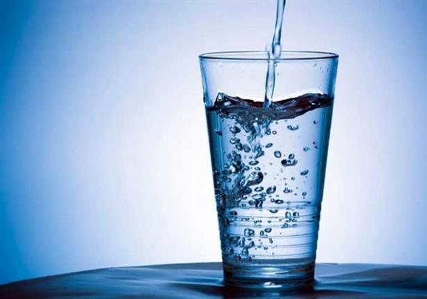 استهلاك المياه وأثره على الجلد والشعر