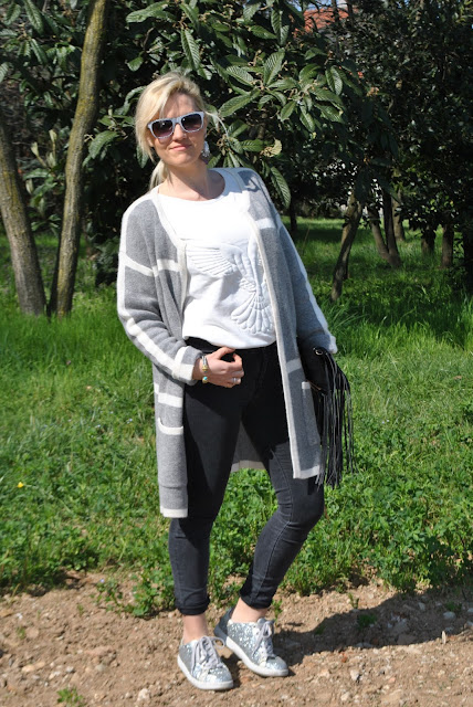 outfit grigio come abbinare il grigio abbinamenti grigio grey outfit how to wear grey how to combine grey outfit primaverili spring outfit outfit marzo 2016 march outfit mariafelicia magno fashion blogger color block by felym fashion blogger italiane fashion blog italiani fashion blogger milano blogger italiane blogger italiane di moda blog di moda italiani ragazze bionde blonde hair blondie blonde girl fashion bloggers italy italian fashion bloggers influencer italiane italian influencer