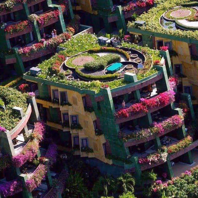 Idool Edificios Con Jardines Y Flores Por Todas Partes En Balcones - Fotos-de-balcones-con-flores