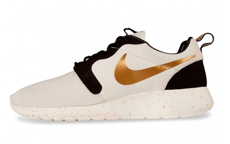 pretty nice b3584 63383 Nike Roshe Run Hyperfuse Gold Trophy