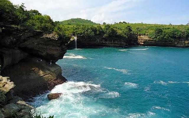 Tempat Wisata Pantai Popoh Tulungagung