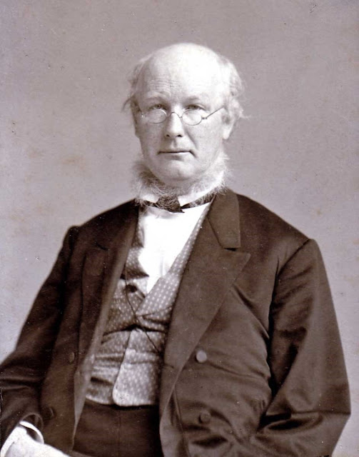 Horace Greeley, the editor of New York Tribune, calls on opponents of slavery to unite in the Republican Party.