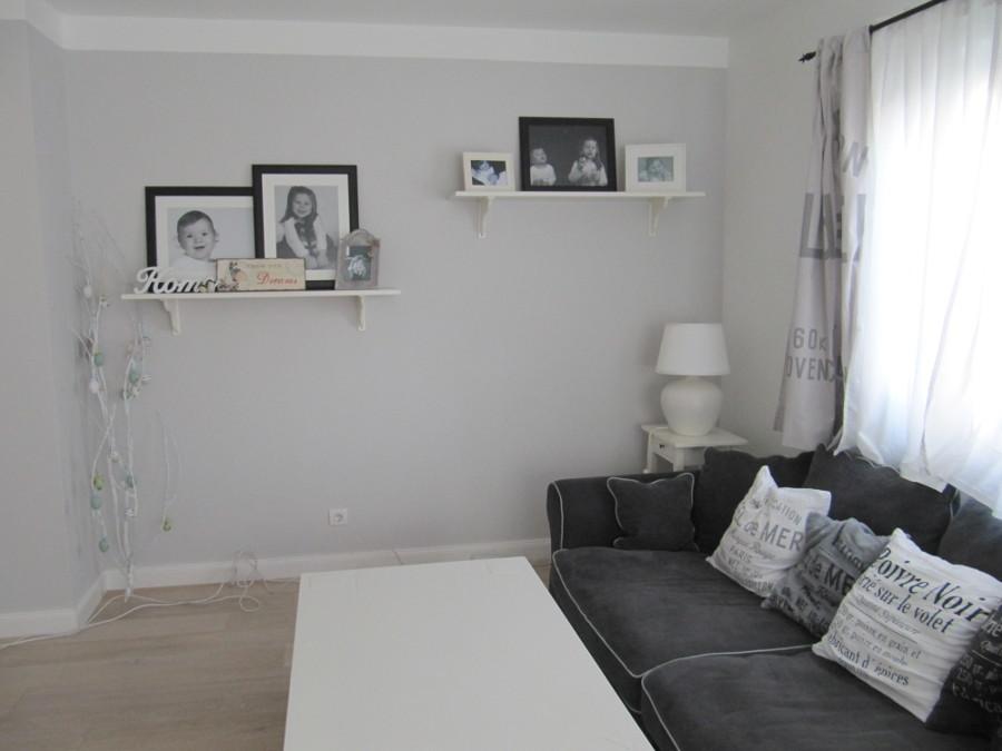 wohnzimmer hellgrau streichen die neuesten innenarchitekturideen. Black Bedroom Furniture Sets. Home Design Ideas