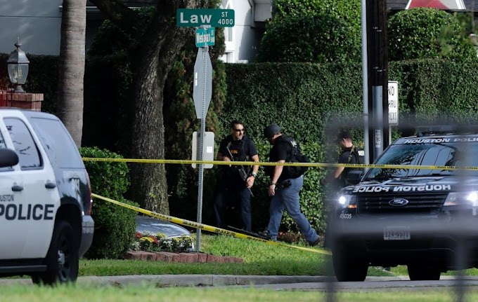 Houston gunman who injured nine in mall attack was 'disgruntled lawyer'