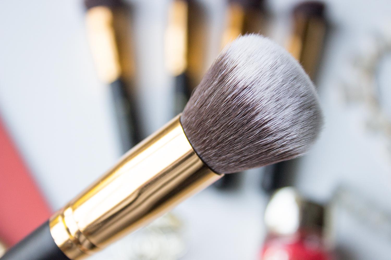 BH Cosmetics Sculpt & Blend Round Blending Face Brush