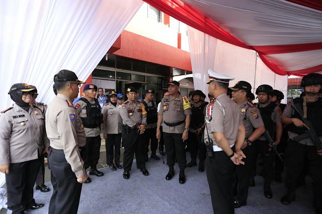 Pendaftaran Cagub-Cawagub: Kapoldasu Siapkan 206 Personil di Kantor KPU Sumut
