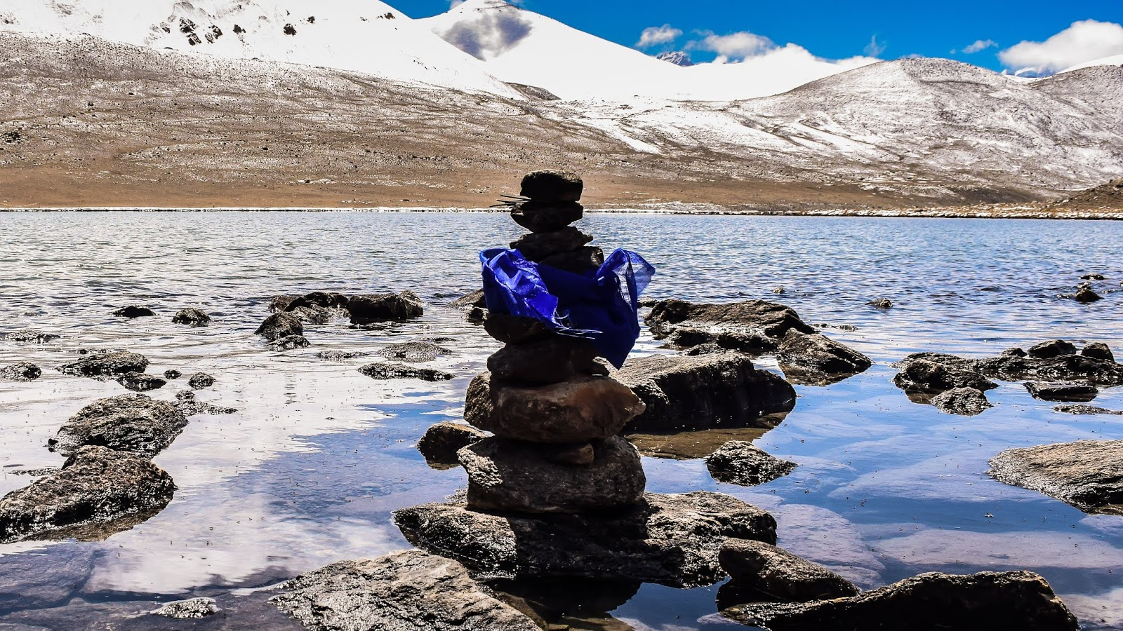 The serene Gurudongmar Lake at North Sikkim @DoiBedouin
