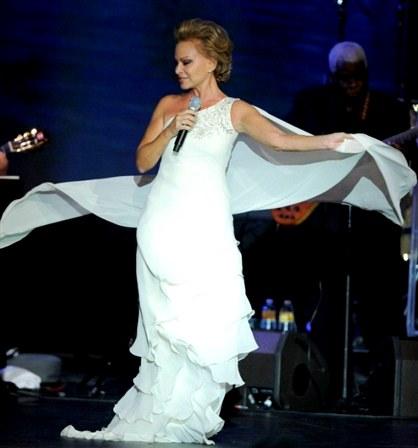 Foto de Paloma San Basilio en el escenario