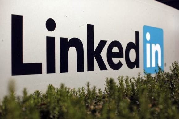 LinkedIn's outlook misses Wall Street estimates ll http://technology-professionales.blogspot.com/2014/02/linkedins-outlook-misses-wall-streets.html