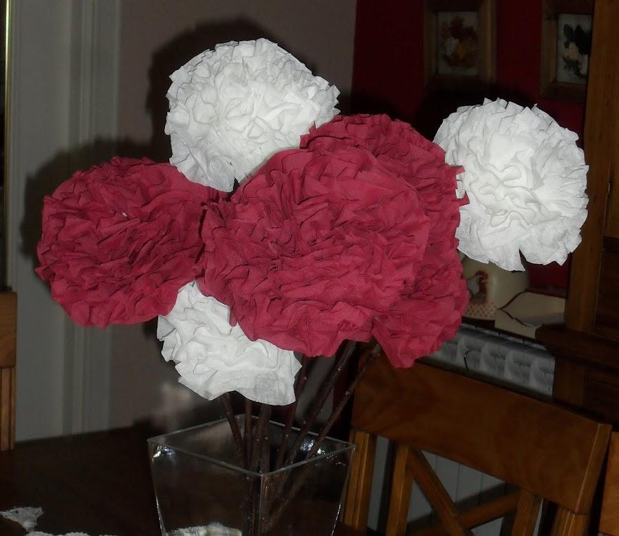 Flores con servilletas.