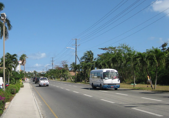 Grand Cayman - Auf dem Weg zum Strand
