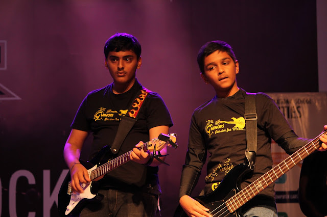 Jordan Johnson & The G Minors Performing Live at Phoenix Marketcity