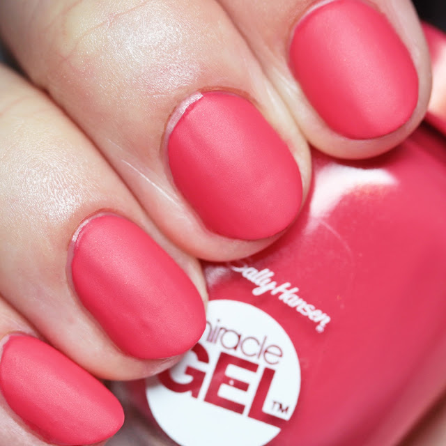 Sally Hansen Miracle Gel 342 Apollo You Anywhere with Miracle Gel Matte Top Coat