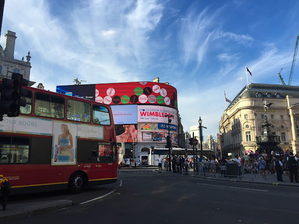 [London,UK] Piccadilly Circus