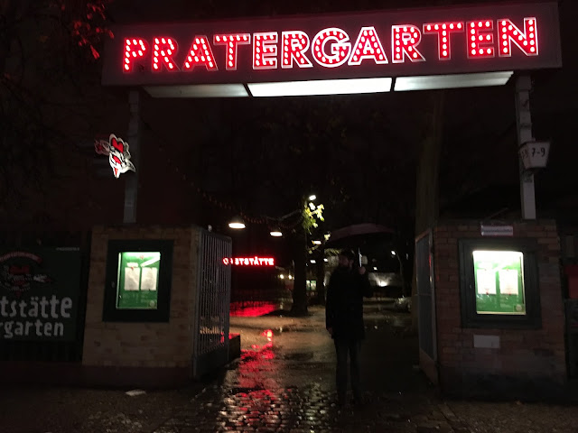 Entrance to pratergarten in berlin