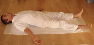 shavasana yoga benefits in hindi