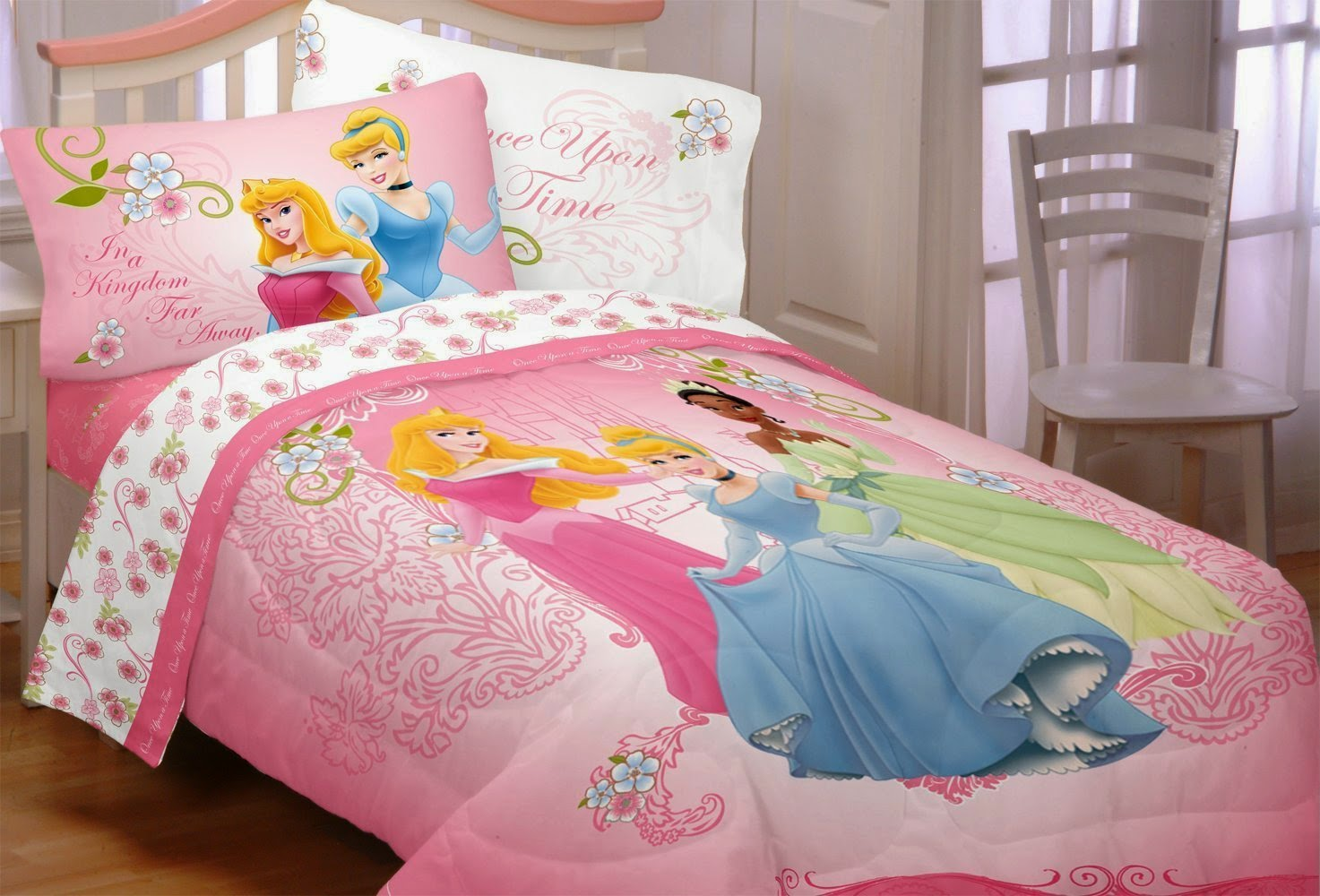 Elegant How To Decorate A Disneyu0027s Princess Aurora Themed Bedroom (Sleeping Beauty)