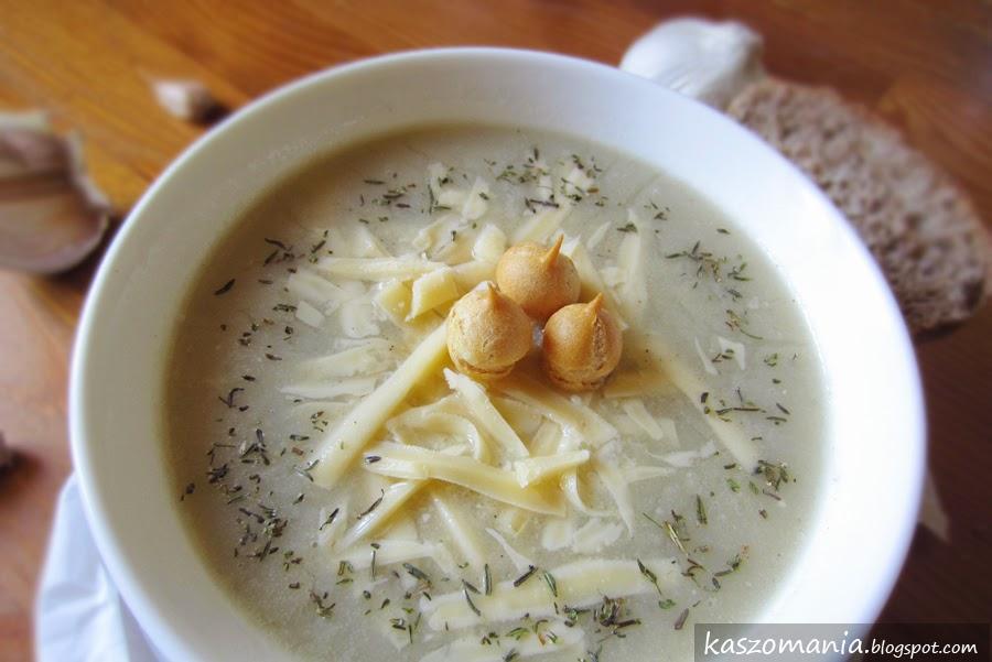 Zupa czosnkowa z kaszą jaglaną