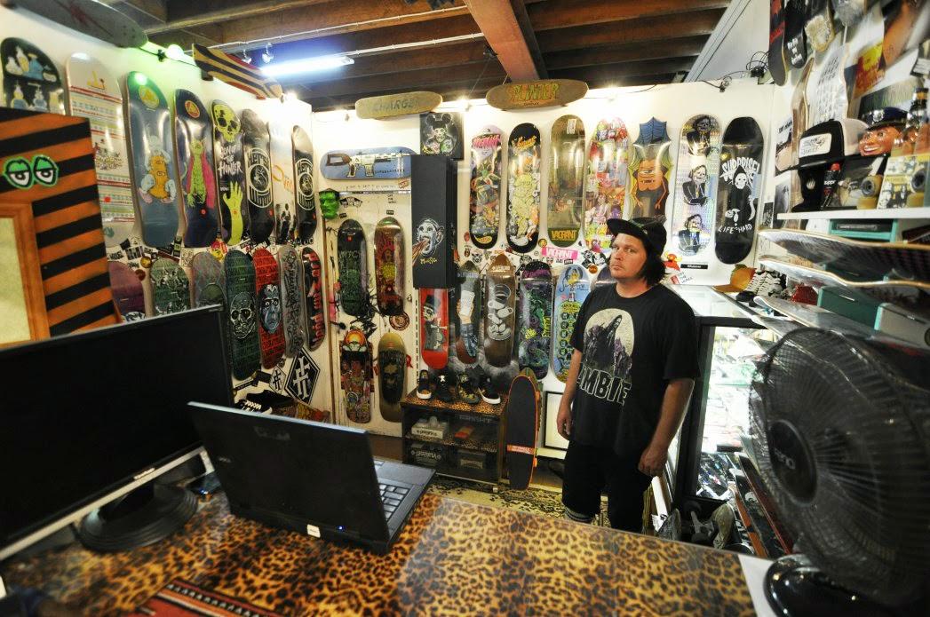 Love Love Studio  Smallroom Skateboard Store 99ab4cce1