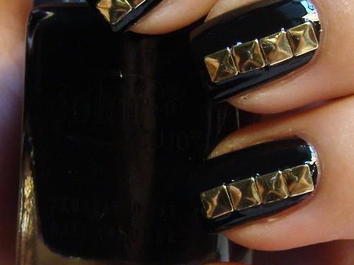 DIY: Studded Nails