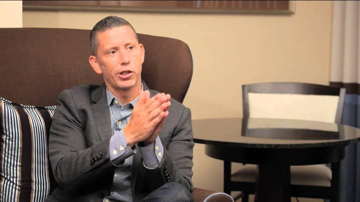 Bagaimana Seorang Dokter Sembuh dari Kanker Otaknya dengan Diet & Minyak Kelapa