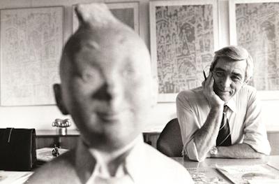 Hergé con Tintín - foto © de la editorial Juventud