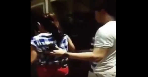 2sS8JeK CAUGHT ON CAM : Alden Richards protecting Maine Mendoza!