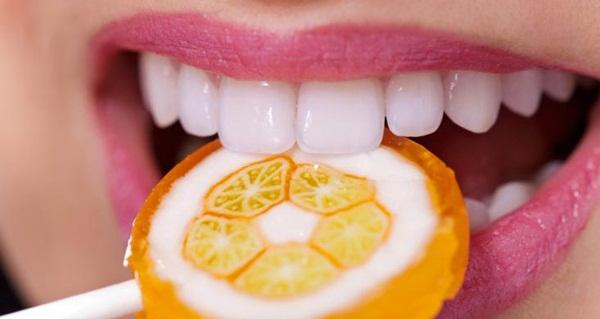 Jenis Makanan dan Minuman Perusak Gigi