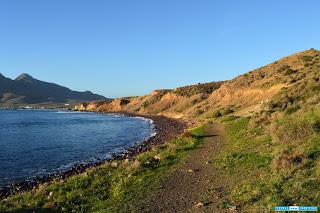 Sendero a los Escullos desde la Isleta del Moro