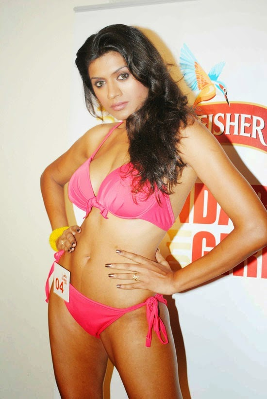 Bikini babes on Kingfisher Calendar 2012