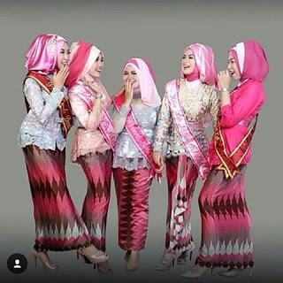 15 Contoh Model Hijab Kebaya Untuk Wisuda Cantik Cara Memakai Jilbab