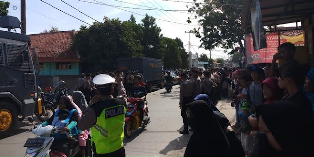Dibubarkan polisi, jawara Bekasi alihkan deklarasi dukung Prabowo-Sandi ke masjid