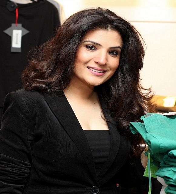 Pakistani Sexy Actress Resham , Pakistani Actress-7384