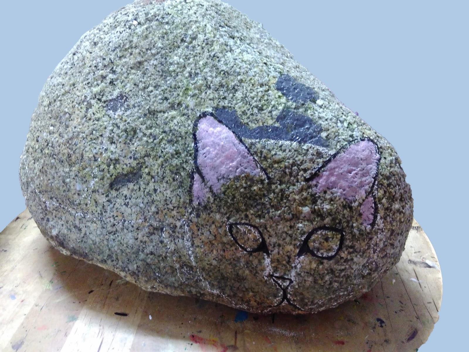 Piedras pintadas a mano como pintar un gato en piedra for Como pintar imitacion piedra