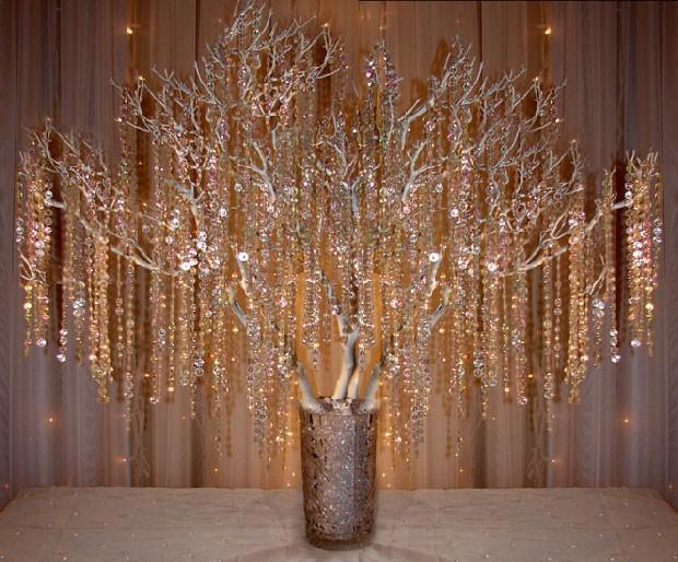 new decorating guirlande de faux cristal en deco de table de mariage. Black Bedroom Furniture Sets. Home Design Ideas