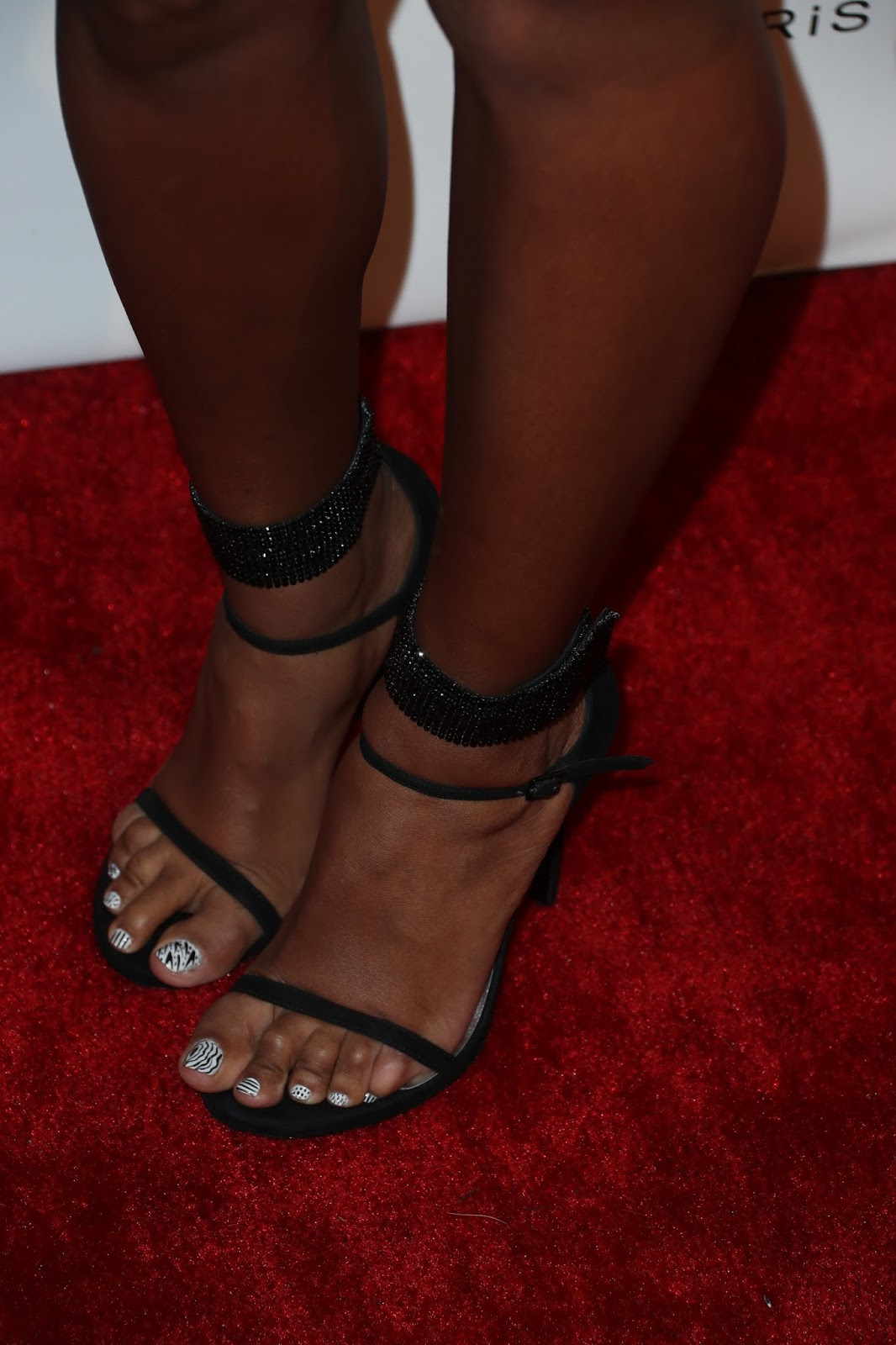 Janelle Mone Red Carpet Photos  Shoes  Meeko Spark Tv-8985